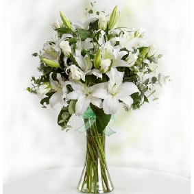 Lilies and white roses in a vase
